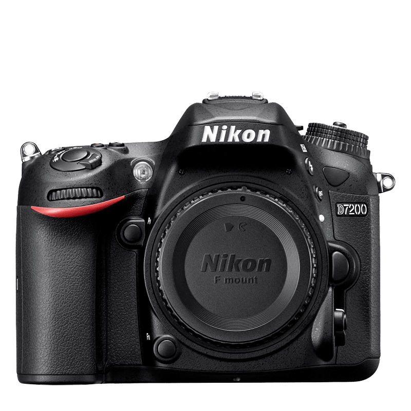 Nikon D7200 + obj. 18-140