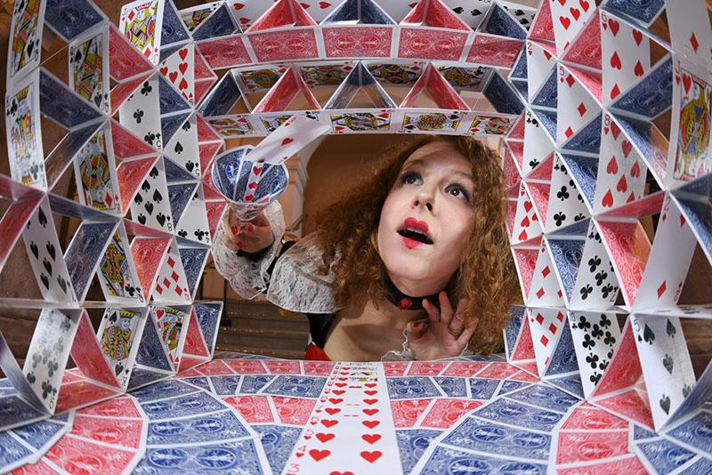 karty a žena